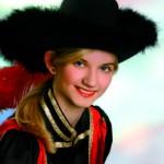 Regina Fahnenstiel, Kommandeurin, Tänzerin